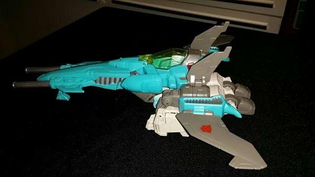 Collection Transformers de sylv1  (AOE, CHUG, TF PRIME, BH, MP, LABELS INDÉS ET G1.. ) - Page 24 Img_1011