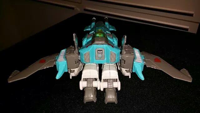 Collection Transformers de sylv1  (AOE, CHUG, TF PRIME, BH, MP, LABELS INDÉS ET G1.. ) - Page 24 Img_1012