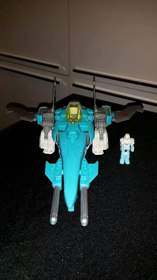 Collection Transformers de sylv1  (AOE, CHUG, TF PRIME, BH, MP, LABELS INDÉS ET G1.. ) - Page 24 Img_1013
