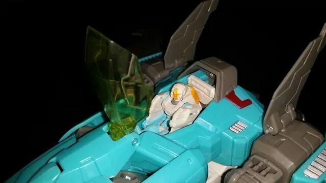 Collection Transformers de sylv1  (AOE, CHUG, TF PRIME, BH, MP, LABELS INDÉS ET G1.. ) - Page 24 Img_1015