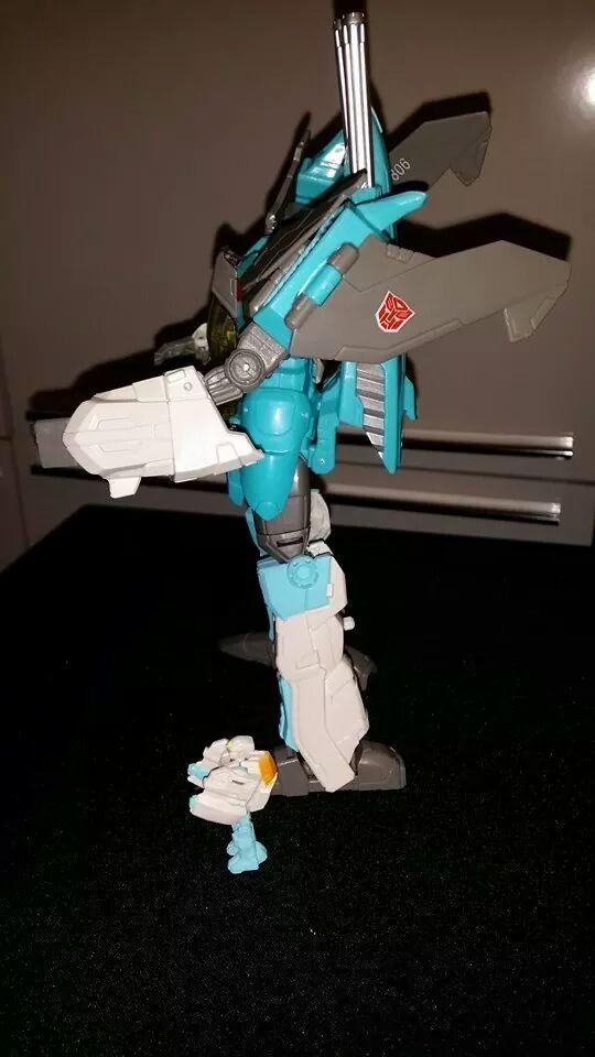 Collection Transformers de sylv1  (AOE, CHUG, TF PRIME, BH, MP, LABELS INDÉS ET G1.. ) - Page 24 Img_1018