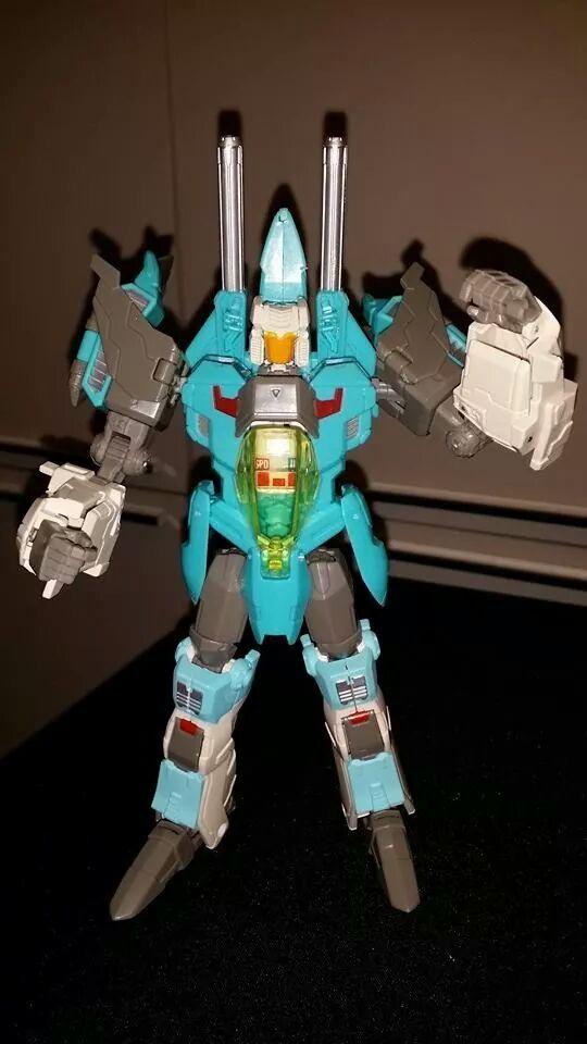Collection Transformers de sylv1  (AOE, CHUG, TF PRIME, BH, MP, LABELS INDÉS ET G1.. ) - Page 24 Img_1021