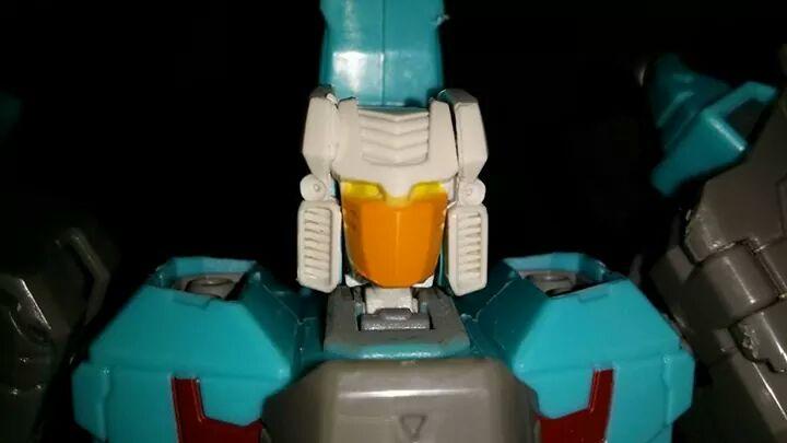 Collection Transformers de sylv1  (AOE, CHUG, TF PRIME, BH, MP, LABELS INDÉS ET G1.. ) - Page 24 Img_1023