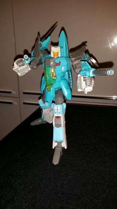 Collection Transformers de sylv1  (AOE, CHUG, TF PRIME, BH, MP, LABELS INDÉS ET G1.. ) - Page 24 Img_1025