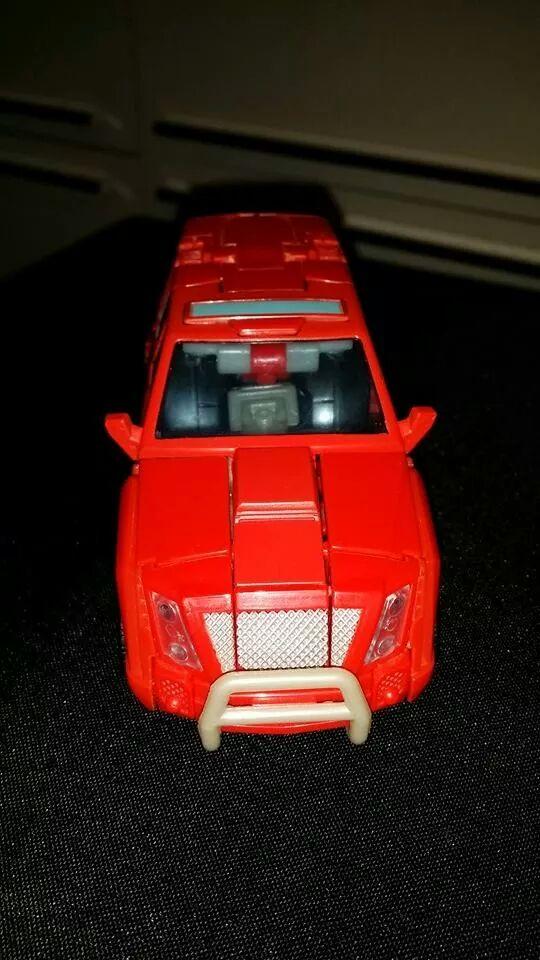 Collection Transformers de sylv1  (AOE, CHUG, TF PRIME, BH, MP, LABELS INDÉS ET G1.. ) - Page 24 Img_1410