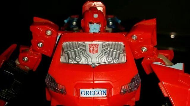 Collection Transformers de sylv1  (AOE, CHUG, TF PRIME, BH, MP, LABELS INDÉS ET G1.. ) - Page 24 Img_1419