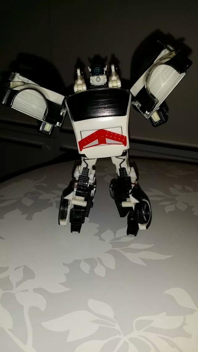 Collection Transformers de sylv1  (AOE, CHUG, TF PRIME, BH, MP, LABELS INDÉS ET G1.. ) - Page 24 Img_1611