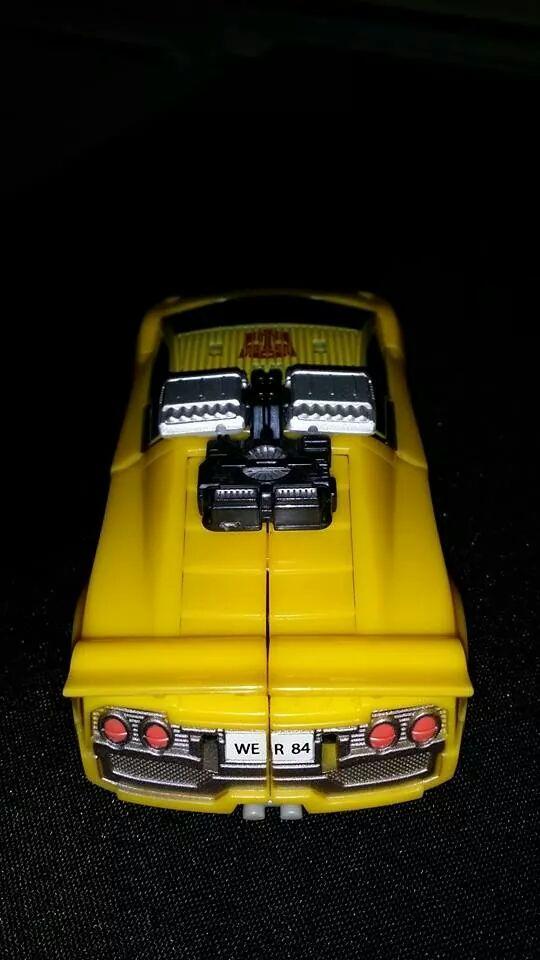 Collection Transformers de sylv1  (AOE, CHUG, TF PRIME, BH, MP, LABELS INDÉS ET G1.. ) - Page 24 Img_1615