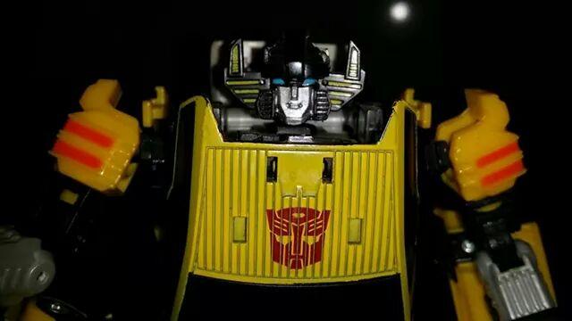 Collection Transformers de sylv1  (AOE, CHUG, TF PRIME, BH, MP, LABELS INDÉS ET G1.. ) - Page 24 Img_1619