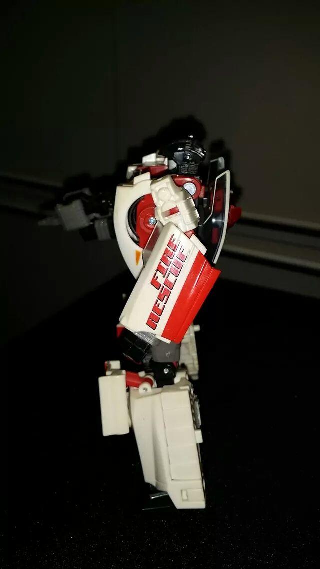 Collection Transformers de sylv1  (AOE, CHUG, TF PRIME, BH, MP, LABELS INDÉS ET G1.. ) - Page 24 Img_1914
