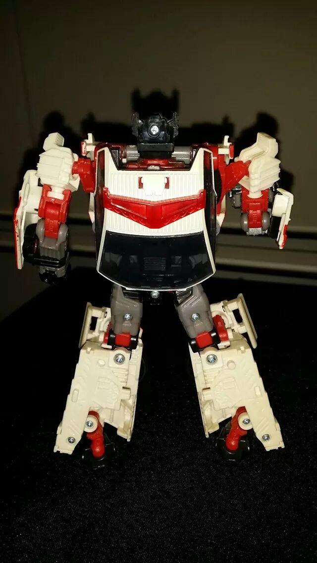 Collection Transformers de sylv1  (AOE, CHUG, TF PRIME, BH, MP, LABELS INDÉS ET G1.. ) - Page 24 Img_1915