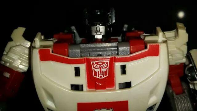 Collection Transformers de sylv1  (AOE, CHUG, TF PRIME, BH, MP, LABELS INDÉS ET G1.. ) - Page 24 Img_1916