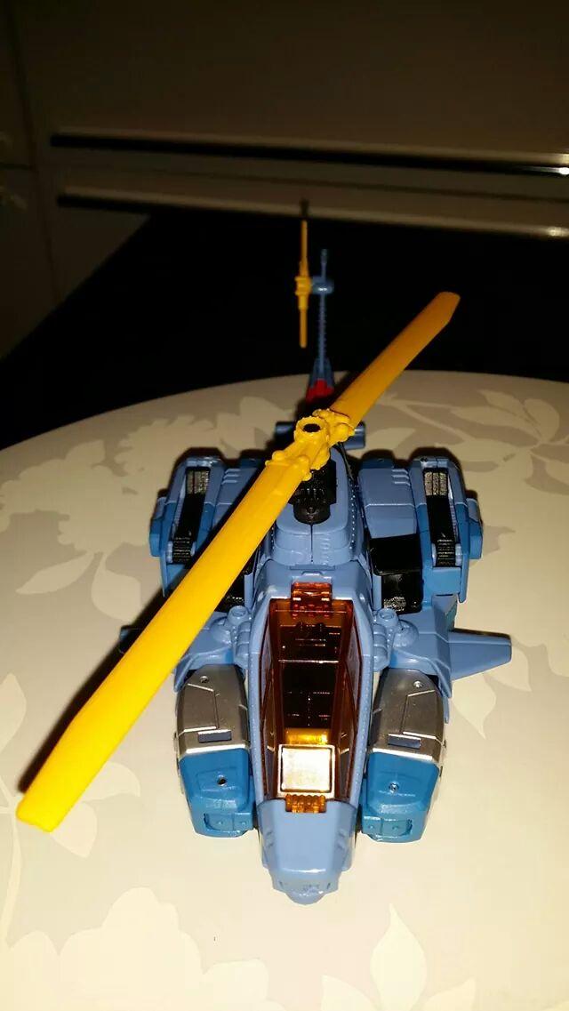 Collection Transformers de sylv1  (AOE, CHUG, TF PRIME, BH, MP, LABELS INDÉS ET G1.. ) - Page 24 Img_3210