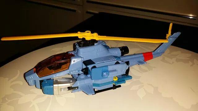 Collection Transformers de sylv1  (AOE, CHUG, TF PRIME, BH, MP, LABELS INDÉS ET G1.. ) - Page 24 Img_3211
