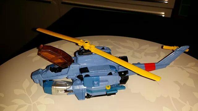 Collection Transformers de sylv1  (AOE, CHUG, TF PRIME, BH, MP, LABELS INDÉS ET G1.. ) - Page 24 Img_3212