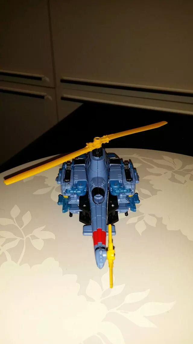 Collection Transformers de sylv1  (AOE, CHUG, TF PRIME, BH, MP, LABELS INDÉS ET G1.. ) - Page 24 Img_3213