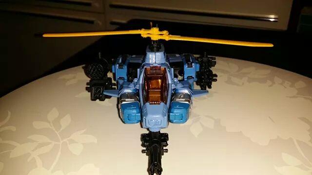 Collection Transformers de sylv1  (AOE, CHUG, TF PRIME, BH, MP, LABELS INDÉS ET G1.. ) - Page 24 Img_3214