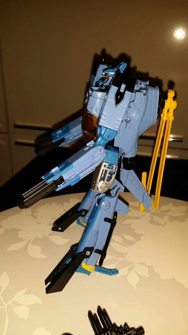 Collection Transformers de sylv1  (AOE, CHUG, TF PRIME, BH, MP, LABELS INDÉS ET G1.. ) - Page 24 Img_3216
