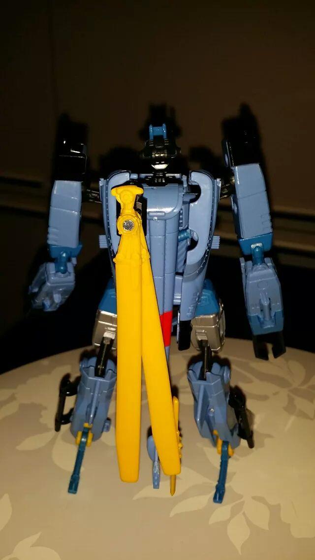 Collection Transformers de sylv1  (AOE, CHUG, TF PRIME, BH, MP, LABELS INDÉS ET G1.. ) - Page 24 Img_3217