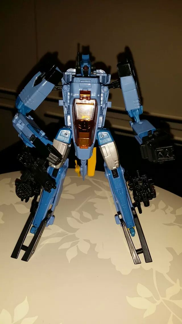 Collection Transformers de sylv1  (AOE, CHUG, TF PRIME, BH, MP, LABELS INDÉS ET G1.. ) - Page 24 Img_3219