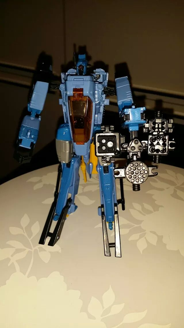 Collection Transformers de sylv1  (AOE, CHUG, TF PRIME, BH, MP, LABELS INDÉS ET G1.. ) - Page 24 Img_3220