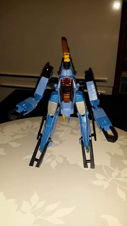 Collection Transformers de sylv1  (AOE, CHUG, TF PRIME, BH, MP, LABELS INDÉS ET G1.. ) - Page 24 Img_3222