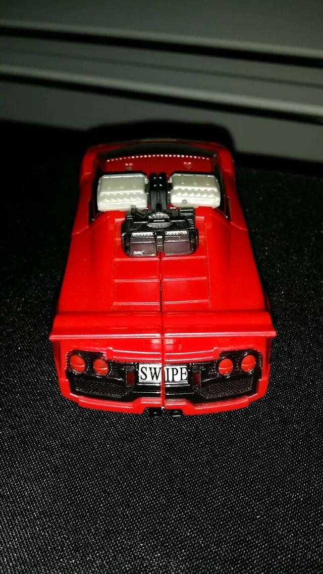 Collection Transformers de sylv1  (AOE, CHUG, TF PRIME, BH, MP, LABELS INDÉS ET G1.. ) - Page 24 Img_6110