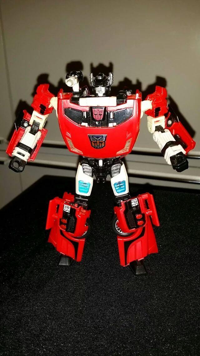 Collection Transformers de sylv1  (AOE, CHUG, TF PRIME, BH, MP, LABELS INDÉS ET G1.. ) - Page 24 Img_6111