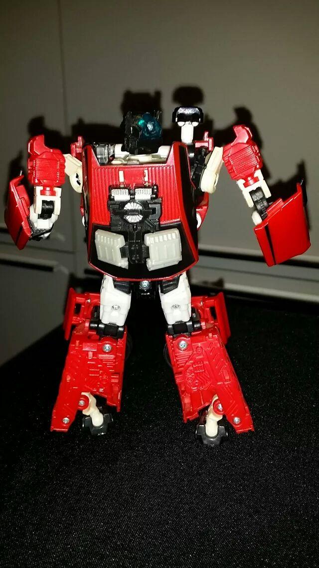 Collection Transformers de sylv1  (AOE, CHUG, TF PRIME, BH, MP, LABELS INDÉS ET G1.. ) - Page 24 Img_6113