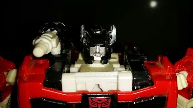 Collection Transformers de sylv1  (AOE, CHUG, TF PRIME, BH, MP, LABELS INDÉS ET G1.. ) - Page 24 Img_6114