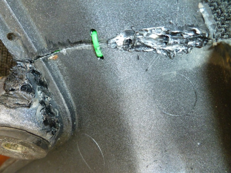 Restauration d'un 4 pattes aussi solide que nos V2, la FJ1200 - Page 5 Carena15