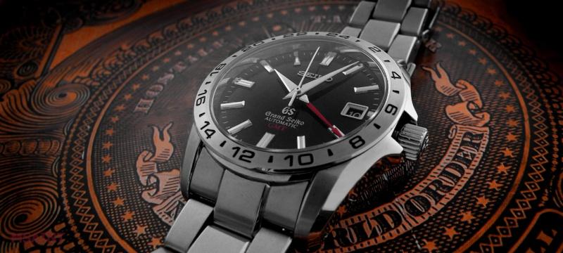 Petite montre GMT - Page 3 Denis-10