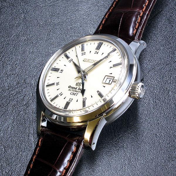 Petite montre GMT - Page 2 Gs10