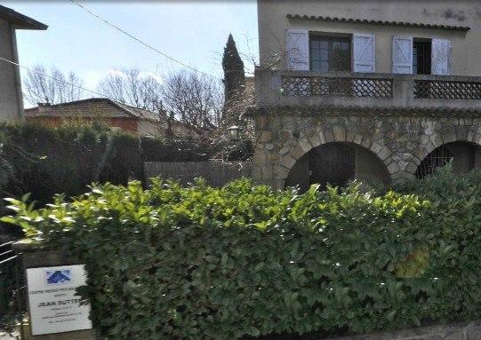 Le CMP Jean Sutter à Aix, secteur 13G17, dépendant du CH Montperrin d'Aix, et dans lequel ces ordonnances ont été écrites
