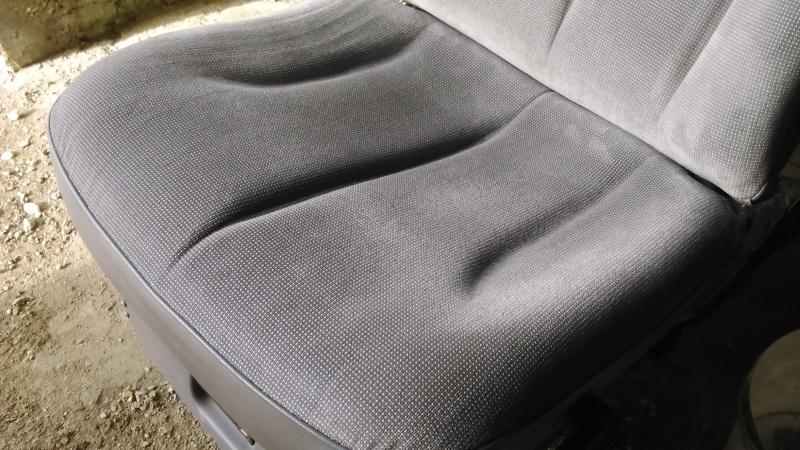 Décrasser un intérieur (surtout les sièges) Dsc_0014