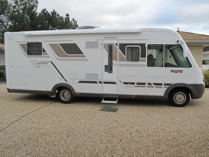 VENDU --- vends Camping car Pilote G 783LC Mercedes *** VENDU C_c_0210