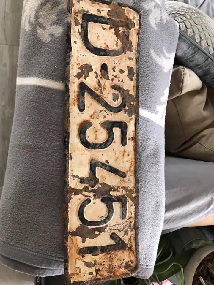 Plaque d'immatriculation de véhicule militaire d'Afghanistan ?  15301510