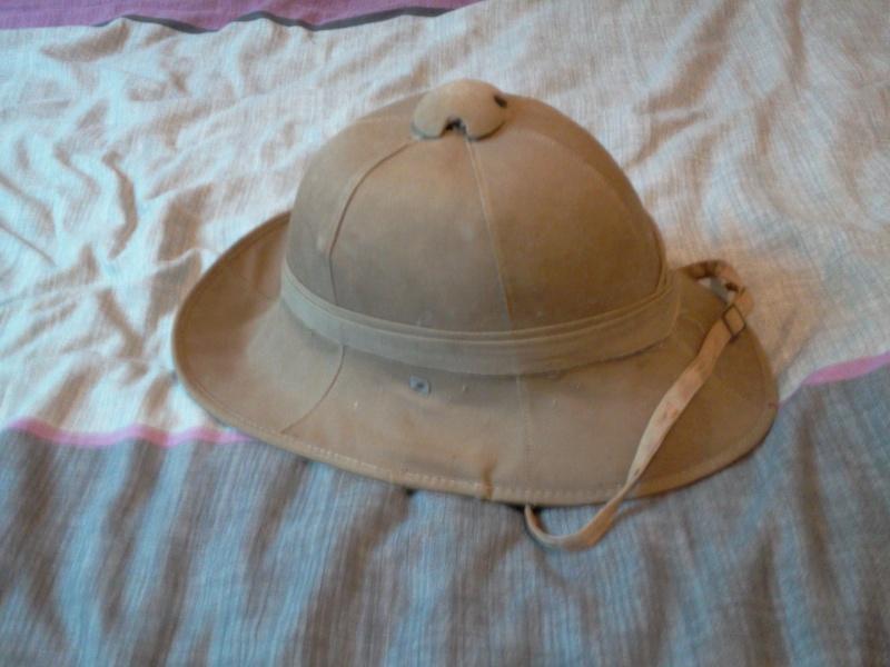Montrez vos casques tropicaux - Page 3 Photo013