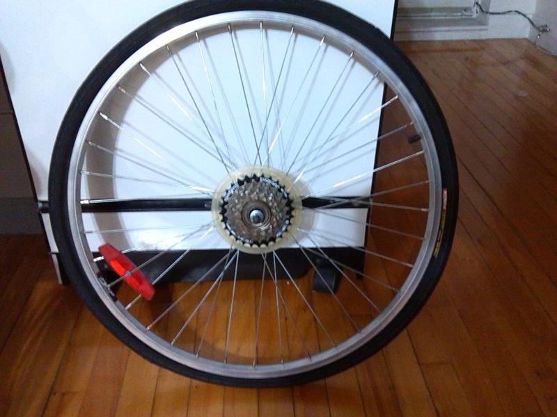 HOOLIGAN..Pas un (( GRAND )) vélo.....MAIS !!! - Page 2 Img_2012