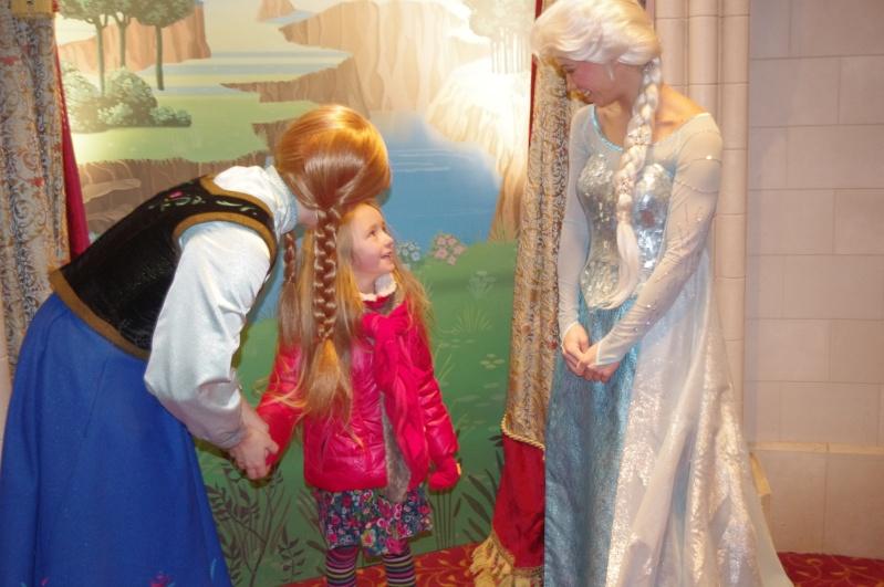 Princess Pavilion avec Anna et Elsa - Page 39 Imgp7510