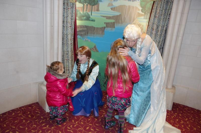 Princess Pavilion avec Anna et Elsa - Page 39 Imgp7511