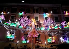 Luminarie natalizie in Italia e all'estero Index10