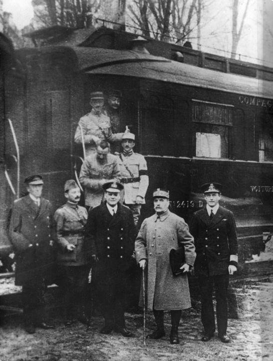 11 de noviembre de 1918  Fin de la Primera Guerra Mundial  Los aliados firman el armisticio con Alemania Armist10