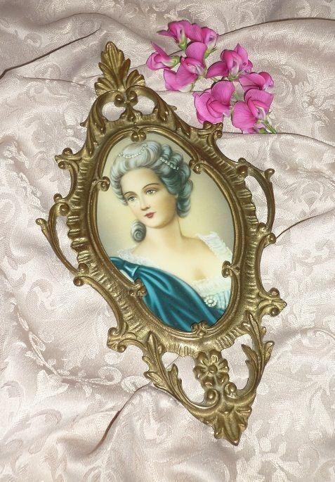 A vendre: miniatures de Marie Antoinette? Z5710