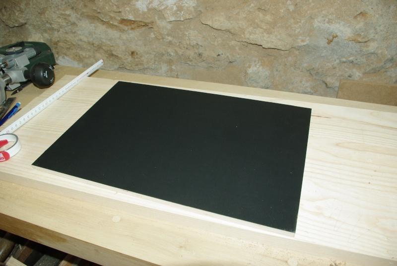Une table de nuit hexaèdres Imgp0216