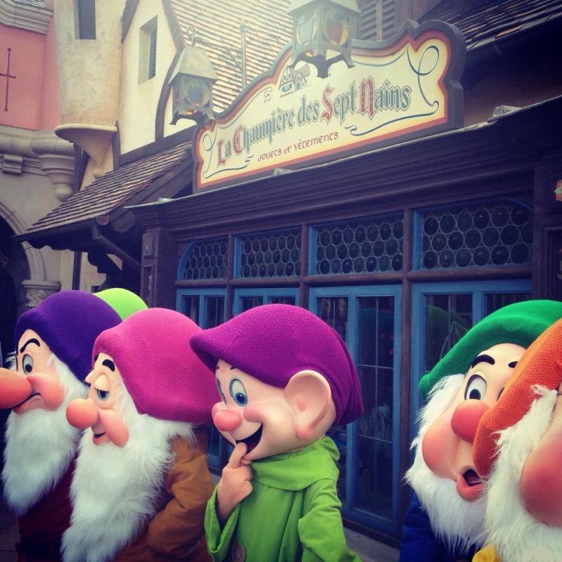 Vos photos avec les Personnages Disney 7nains10