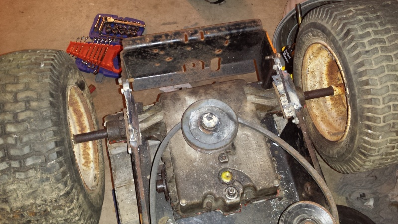 Vtwin Ford Race Mower - Page 2 20141113