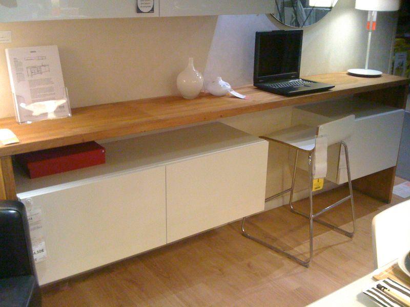 Petit salon en longueur sur cuisine ouverte 59746710