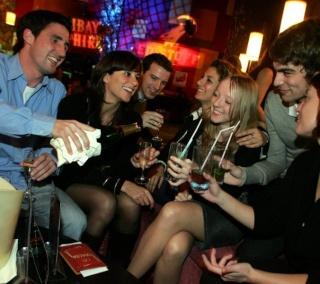 #soirée #événement #sortie #loisir #amiens #somme #picardie #jet7 #club #paris #france ( #jetset ) - #TMCweb3 #VendrediEtMoi #AmiensFanClub Le_stu11