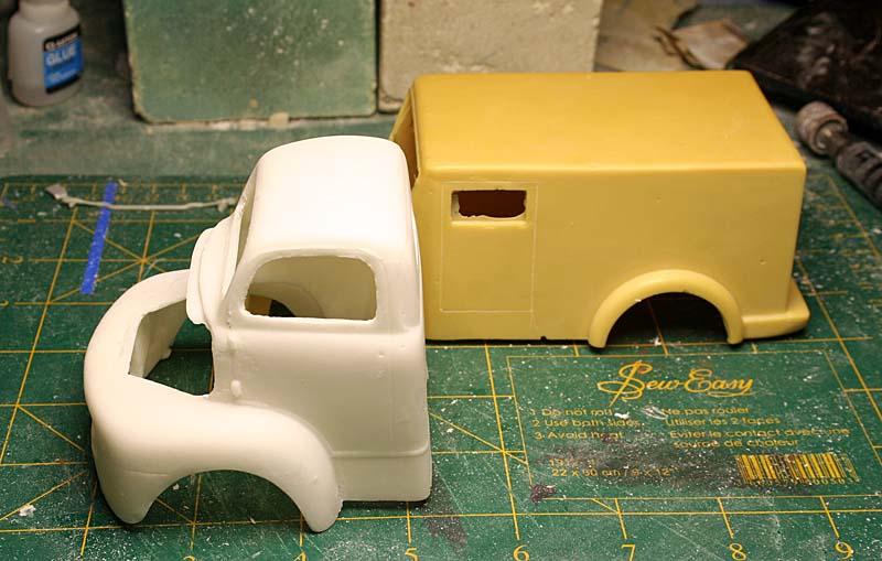 """FORD 1948 COE """"box van"""" : Terminé !!!! Img_8834"""